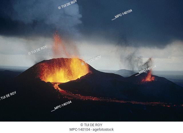 VOLCANIC ERUPTION, SPATTER CONE FORMATION AND LAVA FOUNTAINING FROM RADIAL FISSURE, FEBRUARY 1979, CERRO AZUL EAST FLANK, ISABELA ISLAND, GALAPAGOS ISLANDS