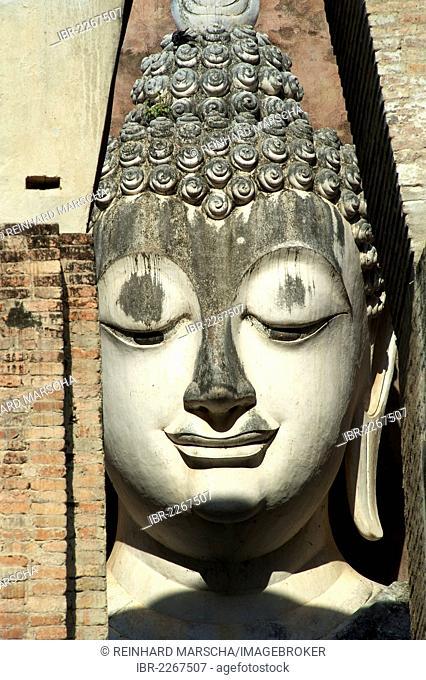 Statue, head, Wat Si Chum, Sukhothai Historical Park, Sukhothai, Thailand, Asia