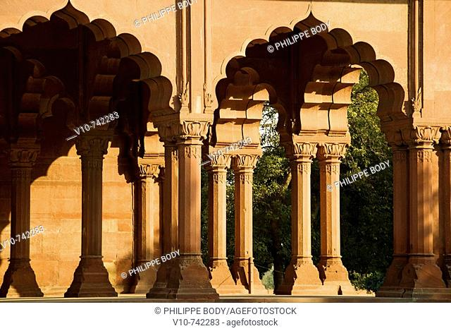 Diwan-i-Am, a pavillon for imperial public audience, Red fort (Lal Qila), built in 1639 by Shah Jahan, on the World Heritage list of UNESCO , Delhi, India
