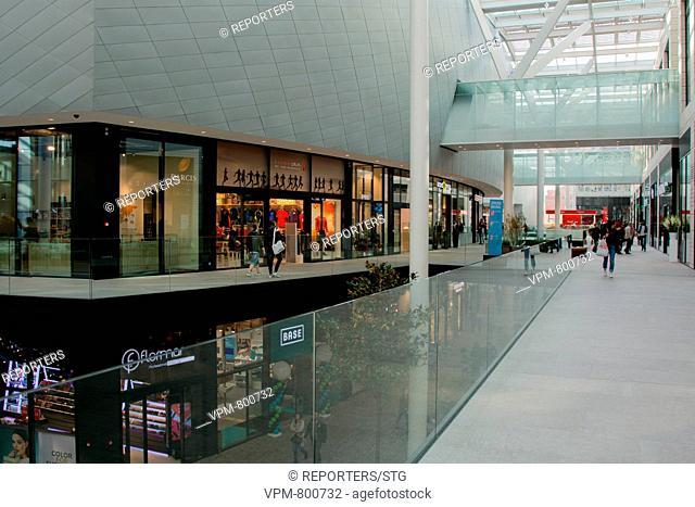 Belgium, Brussels, Oct 26, Docks Bruxsel, Customer, Macdonald, Bershka, Kiabi, Shops, The shopping district Docks Bruxsel opened the Pont Van Praet over the...