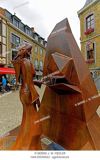 Berthe de La Roche, metal, statue, La Smelling Roche-en-Ardenne Belgium
