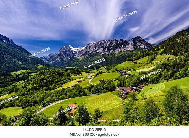 Germany, Bavaria, Upper Bavaria, Berchtesgadener Land (district), Ramsau near Berchtesgaden, local view against Reiter Alm (riders alp)