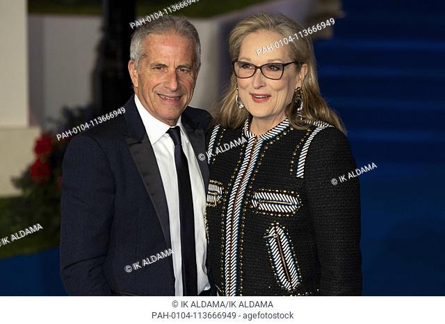 Meryl Streep and Marc Platt attend MARY POPPINS RETUNS European Premiere at The Royal Albert Hall. London, UK. 12/12/2018 | usage worldwide
