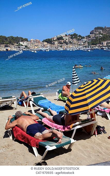 Spain, Mallorca, Balearic Island, Port de Soller, Platja Den Repic  The village of Puerto de Soller is the only resort along the west coast of Mallorca
