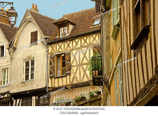 Medieval houses facades, half timbered, old town, Macon, Saône et Loire, 71, Bourgogne, France