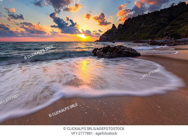 Capo Vaticano Coast, Capo Vaticano, Tropea, Tyrrhenian Sea, Tyrrhenian Coast, Mar Tirreno, Calabria, Italy. Sunset in beautiful Capo Vaticano Coast