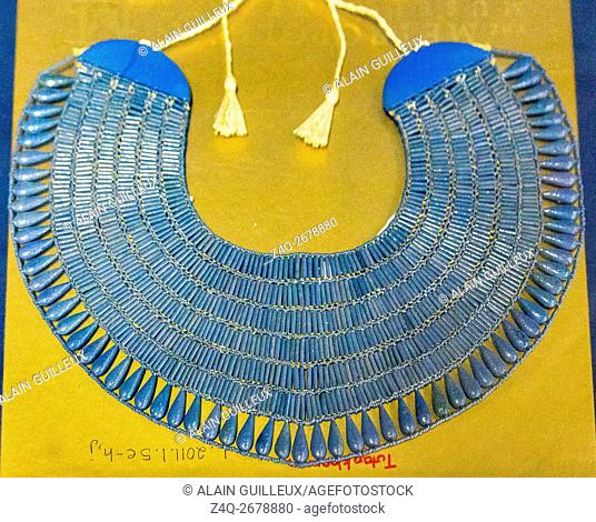 Egypt, Cairo, Egyptian Museum, Tutankhamon jewellery, from his tomb in Luxor : Pectoral in lapis-coloured faience beads. Repatriated from New York Metropolitan...