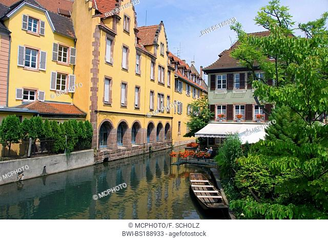 boat on the river Lauch, 'Little Venice', France, Alsace, Colmar