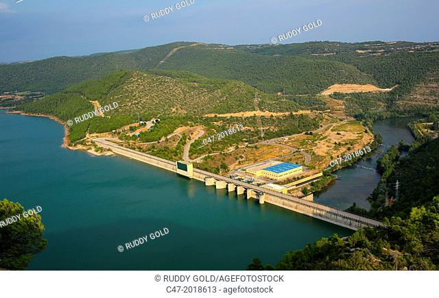 Catalunya, Spain, Lleida province, Rialb reservoir at practically full capacity of 402,8 cubic hectometers on the Segre river