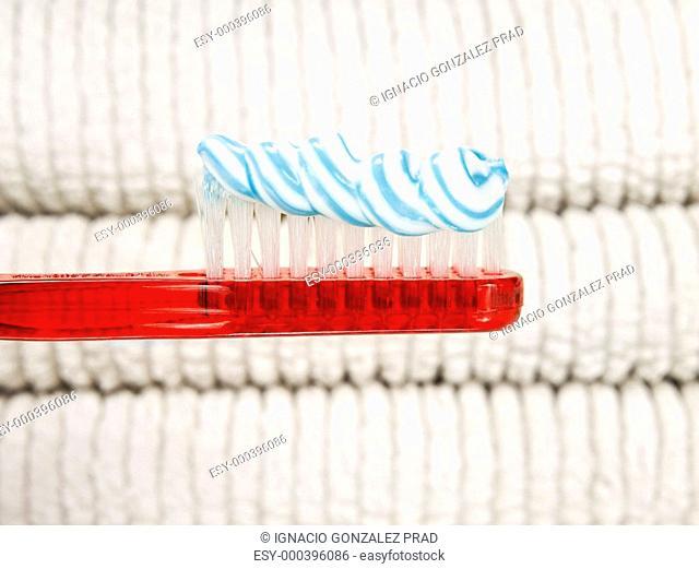 Toothpaste worm