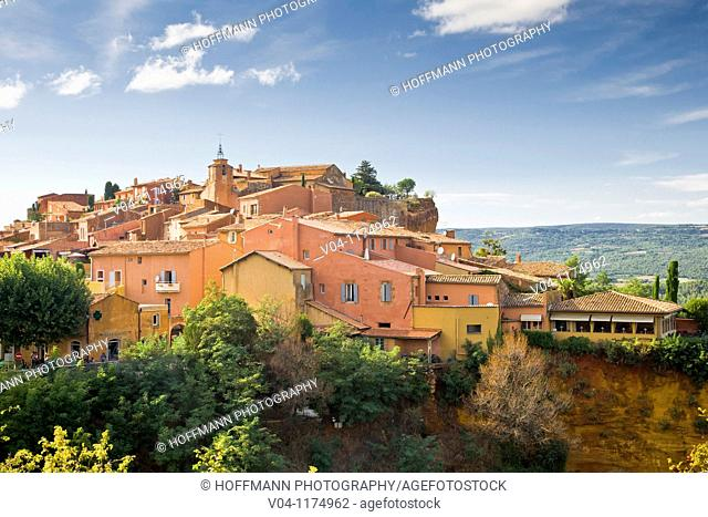 The mountain village of Roussillon in Provence, France, Europe