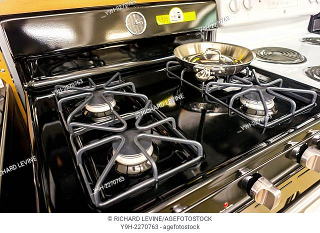 A General Electric gas stove in a Home Depot in New York
