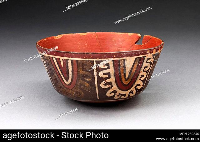 Bowl with Concentric Half-Circle Motifs Descending from Rim - 180 B.C./A.D. 500 - Nazca South coast, Peru - Artist: Nazca, Origin: Nazca Valley