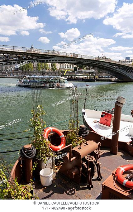 Touristic boat, Seine, Paris, France