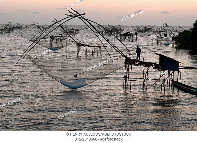 Shore-operated lift net, before the sunrise, Phatthalung, Southern Thailand