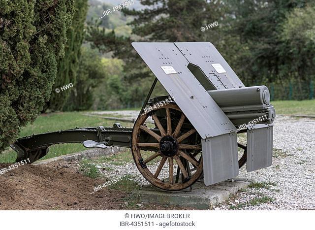 Howitzer 75-13, Park of Remembrance, Open Air Museum World War I on the Colle Sant'Elia hill, Isonzo, Redipuglia, Gorizia, Friuli-Venezia Giulia, Italy