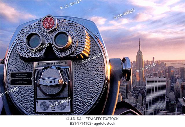 USA, New York, view over Manhatan and the Hudson river from the Rockefeler Center