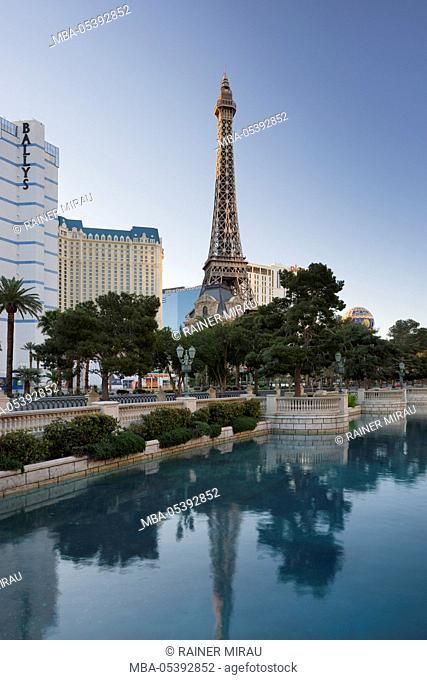Lake Bellagio, Eiffel Tower, Strip, South Las Vegas Boulevard, Las Vegas, Nevada, USA