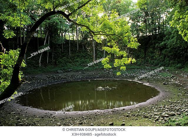 cratere de meteorite de Kaali sur l'ile de Saaremaa,region de Saare,Estonie,pays balte,europe du nord