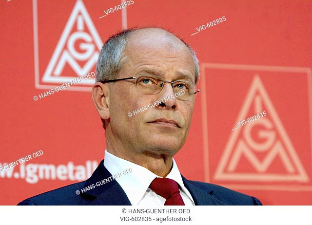 GERMANY, FRANKFURT AM MAIN, 14.1.2007, Berthold HUBER, leader of the trade union IG Metall during a press conference in Frankfurt am Main