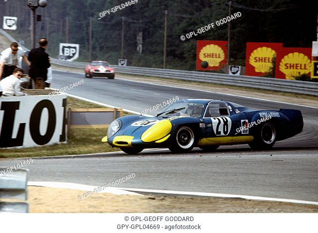 Jean Vinatier Andre de Cortanze Alpine 220 Renault at the Mulsanne Corne, 15th June 1969