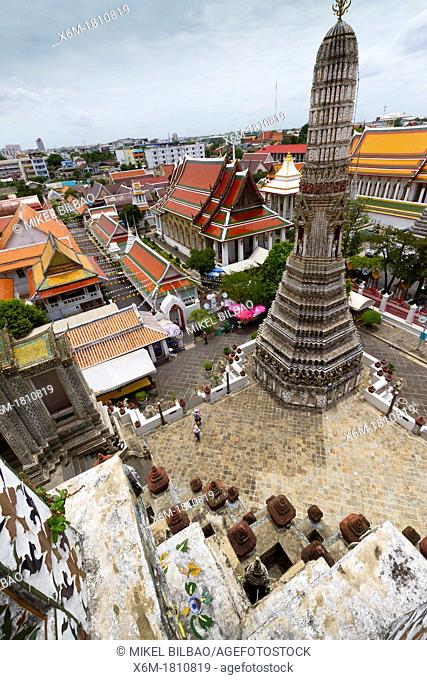 Prang  Wat Arun Rajwararam or Temple of the Dawn  Bangkok, Thailand