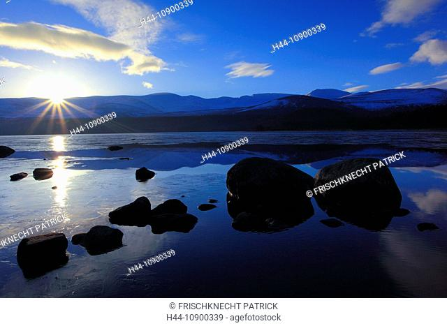 View, mountain, mountains, mountain panorama, Cairngorms, dusk, twilight, ice, cliff, rock, cliff, mountains, highlands, highland, living space, Loch