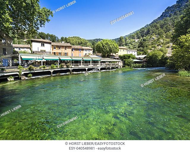 Restaurants on the Sorgue in Fontaine de Vaucluse. Vaucluse, Provence, France, Europe