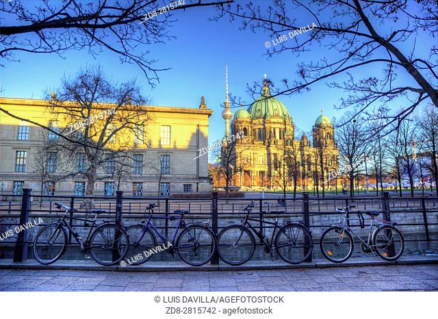 With its magnificent dome, the Berlin Cathedral is definitely one of the capitalâ. . s crowd pullers. . Located in the northern area of the Spree Island