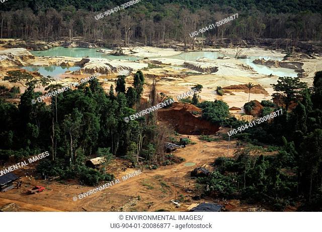 BRAZIL Mato Grosso Peixoto de Azevedo. Garimpo small scale gold mining on former Panara territory showing deforestation and pollution