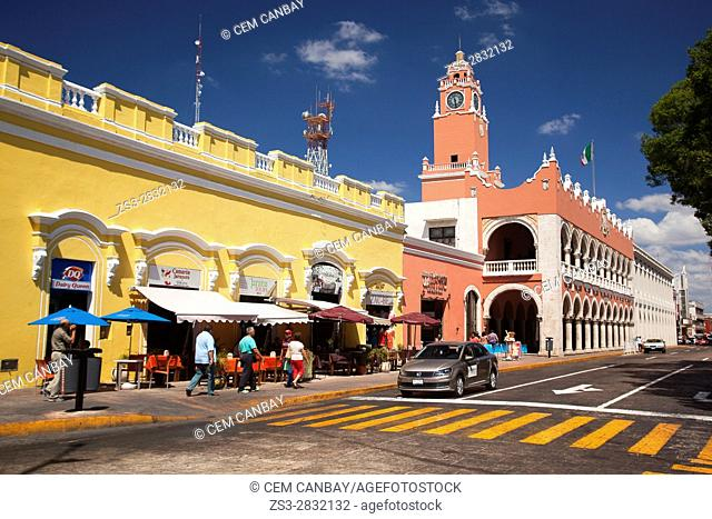 View to the Town Hall-Palacio Municipal in the city center, Merida, Yucatan State, Mexico, Central America