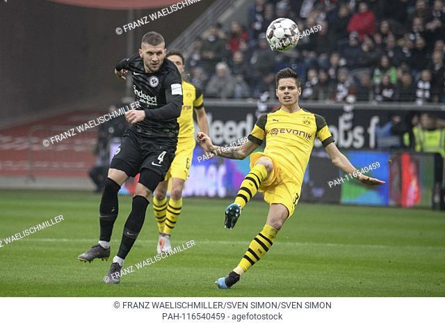 Julian WEIGL (DO, r.) And Ante REBIC (F) fighting for the ball; ; 1. Bundesliga, season 2018/2019, 20. matchday, Eintracht Frankfurt (F) - Borussia Dortmund...