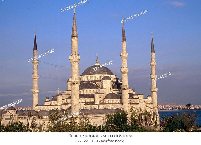 Blue Mosque (Sultan Ahmed mosque), Sultanahmet, Istanbul. Turkey