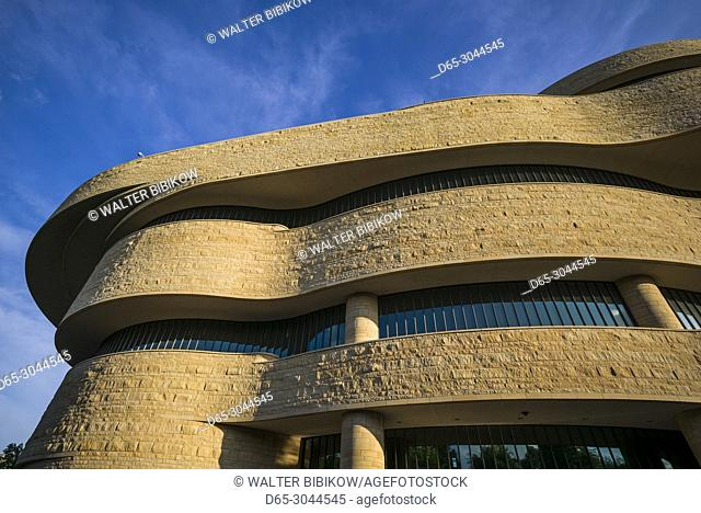 USA, District of Columbia, Washington, National Museum of the American Indian, exterior