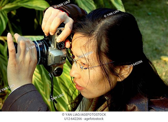 one chinese photography taking picture