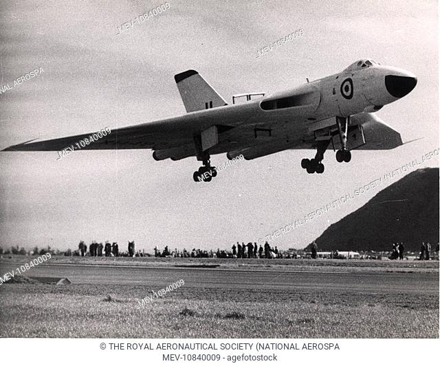 Avro Vulcan B2 comes in to land