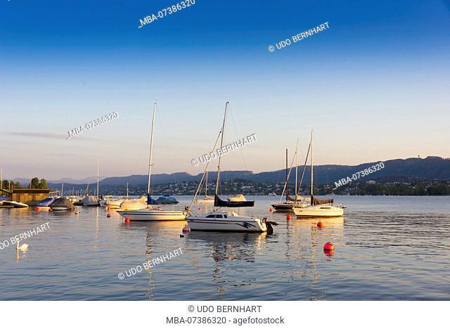 View from Utoquai on Lake Zurich in the evening, old town, Zurich, Canton of Zurich, Switzerland
