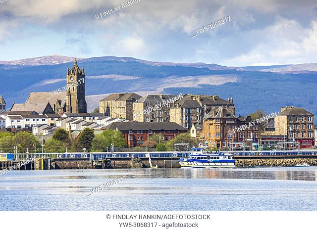 Argyll Ferries sailing into Gourock harbour, firth of Clyde, Renfrewshire, Scotland