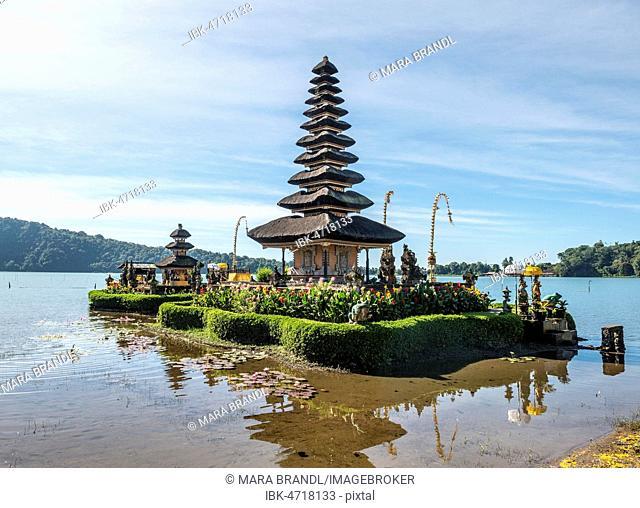 Buddhist water temple Pura Ulun Danu Bratan, Lake Bratan, Bali, Indonesia