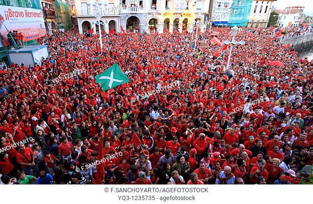'La Marinera' supporters celebrate victory in La Concha trawler race, Castro Urdiales, Cantabria, Northern Spain