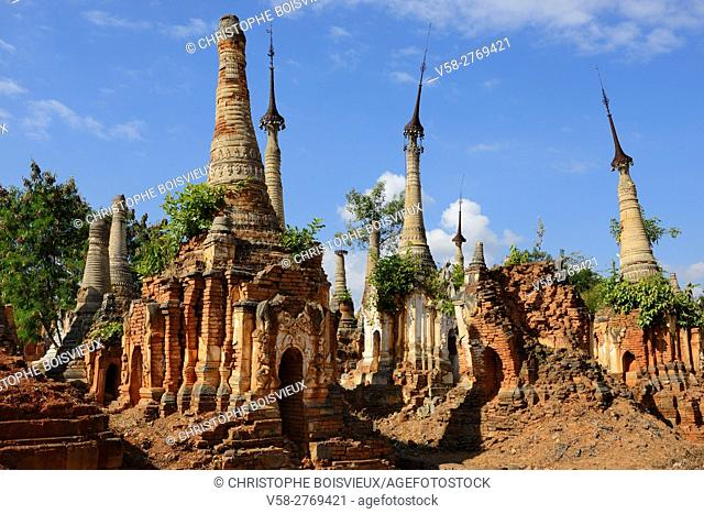 Myanmar, Shan State, Inle Lake, Indein (Inthein) village, Ruined stupas