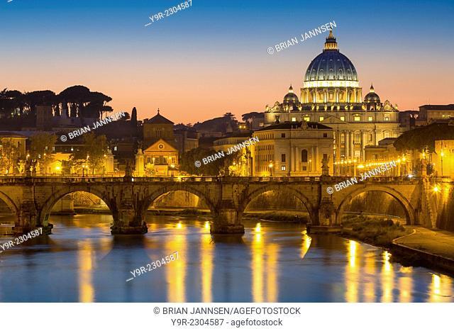 Twilight over River Tibor and the dome of San Pietro, Vatican, Rome, Lazio, Italy