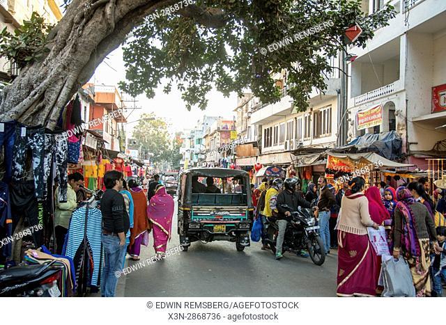 Johri Bazaar; Busy street in Jaipur, India