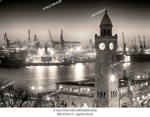 Jetties, harbor, Hamburg, Germany