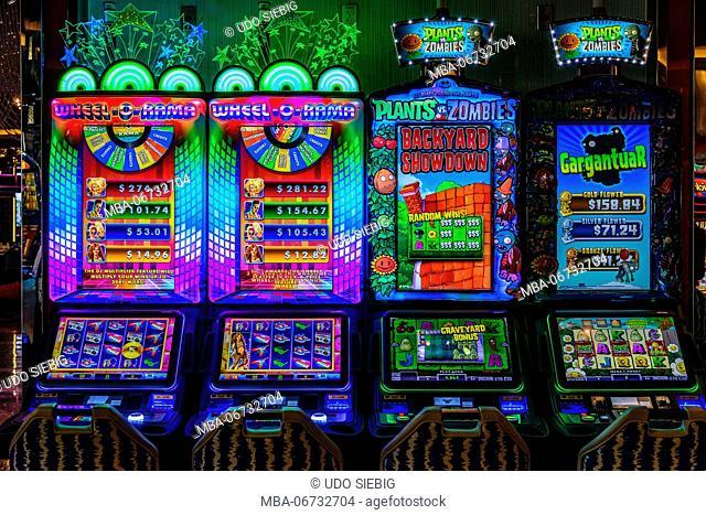 The USA, Nevada, Clark County, Las Vegas, Las Vegas Boulevard, The Strip, gaming machine
