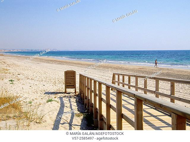 Walkway and beach. San Pedro del Pinatar, Murcia province, Spain