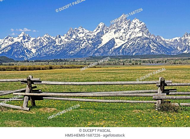 United States, Wyoming, Grand Teton National Park, Teton Mountain Range with Grand Teton (4,199 m/13,775 ft), highest point of the park
