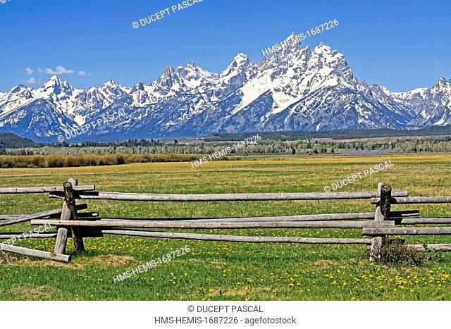 United States, Wyoming, Grand Teton National Park, Teton Mountain Range with Grand Teton (4,199 m/13,775 ft), highest point of the park