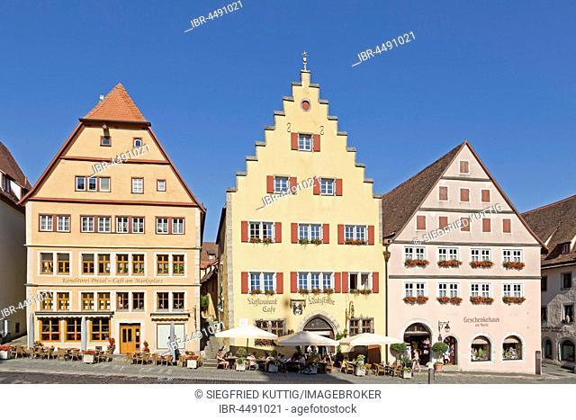 Gabled houses on the market square, historic centre, Rothenburg ob der Tauber, Middle Franconia, Bavaria, Germany