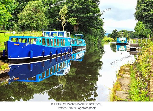 Barges on the Forth and Clyde Canal near Kirkintilloch, Glasgow, Scotland, UK